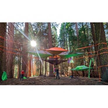 Hamaki w lesie źródło: http://www.tentsile.com/